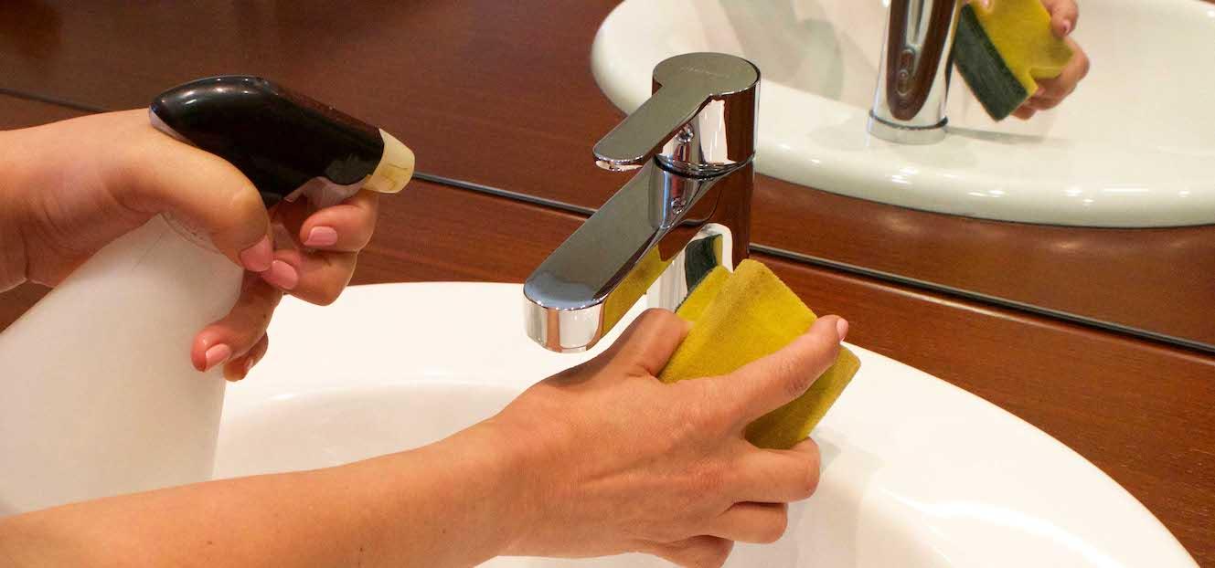 Quitar cal incrustada wc elegant trucos para limpiar la - Limpiar tuberias de cal ...