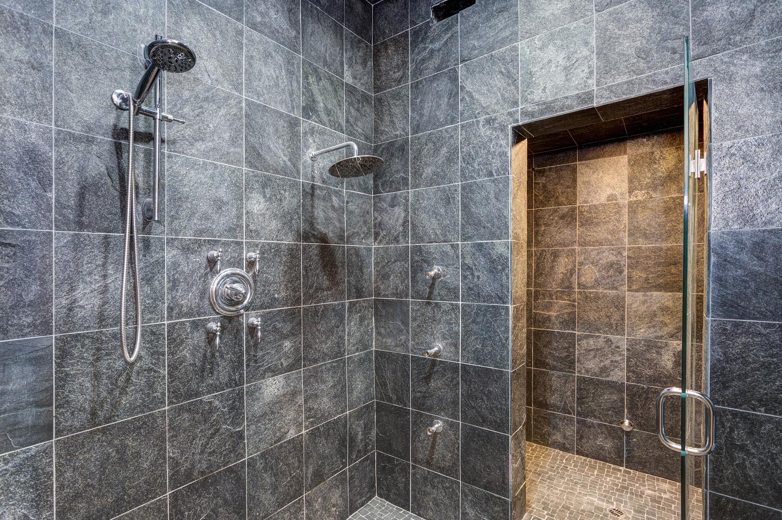 Beneficios de cambiar la bañera y poner una ducha